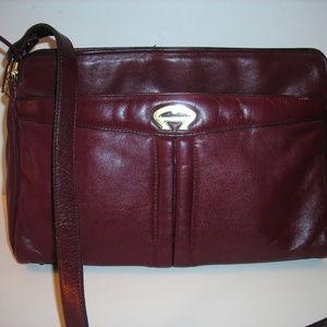 Vintate ETIENNE AIGNER burgundy leather cross-body